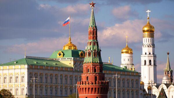 Большой Кремлевский дворец, колокольня Ивана Великого и Водовзводная башня Московского Кремля - Sputnik Абхазия