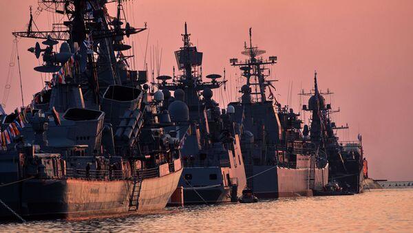 Военные корабли в бухте Севастополя. - Sputnik Абхазия
