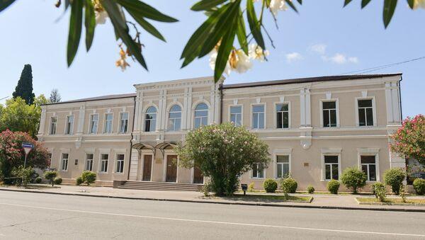 Ликвидация последствий пожара во второй школе - Sputnik Абхазия