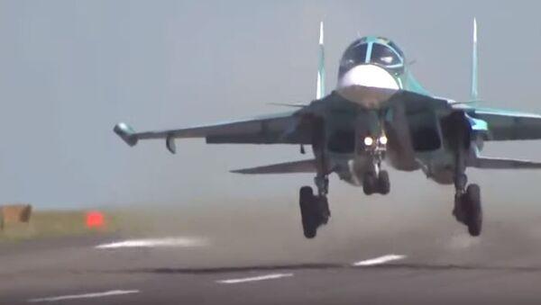 На строящуюся автомагистраль в Татарстане приземлились 14 военных самолётов - Sputnik Абхазия
