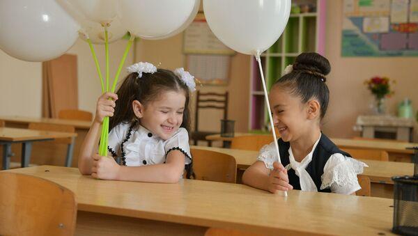 Первый звонок в школах города Гал  - Sputnik Аҧсны