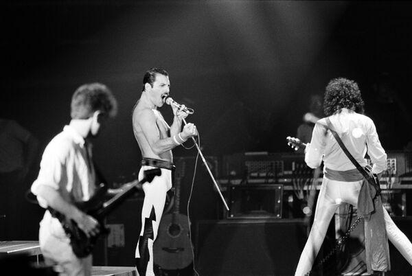 Группа Queen, концерт в Париже, 1984 год - Sputnik Абхазия