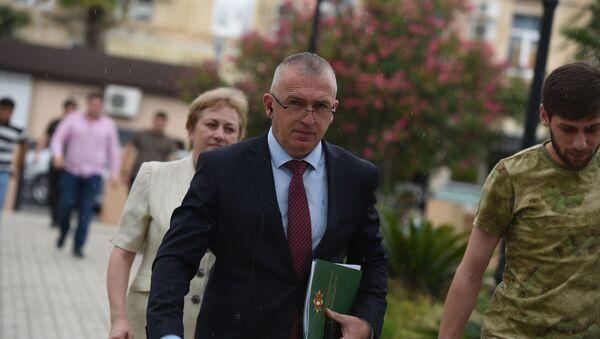 Министр внутренних дел Гарри Аршба. Выборы президента Абхазии, второй тур - Sputnik Аҧсны