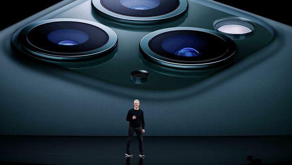 Генеральный директор Apple Стив Кук выступает на презентации штаб-квартире в Купертино, штат Калифорния. 10 сентября 2019 - Sputnik Абхазия