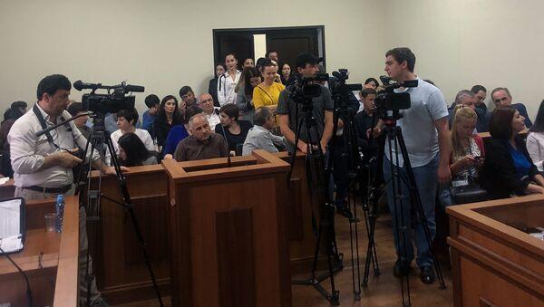 Журналисты перед началом заседания Верховного суда, 17 сентября 2019 - Sputnik Абхазия