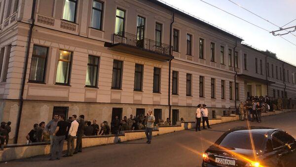 Здание Верховного суда после окончания заседания, 19 сентября 2019 - Sputnik Абхазия