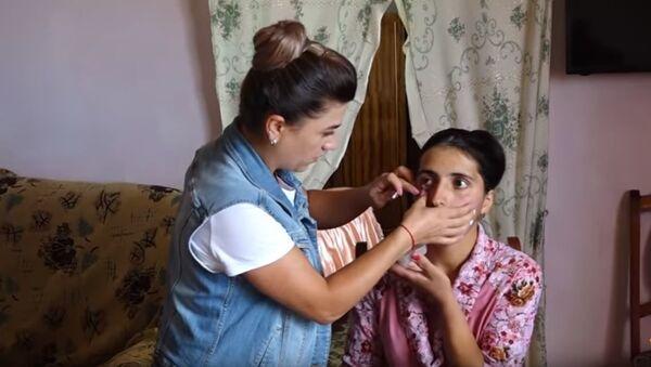 Армянка Сатеник Казарян плачет бриллиантовыми слезами - Sputnik Абхазия