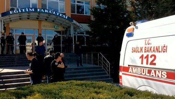 Скорая помощь у больницы в Турции. Архивное фото - Sputnik Абхазия