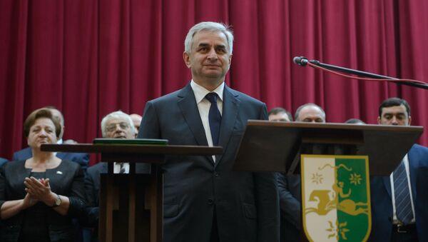 Инаугурация избранного президента Абхазии Рауля Хаджимба - Sputnik Абхазия