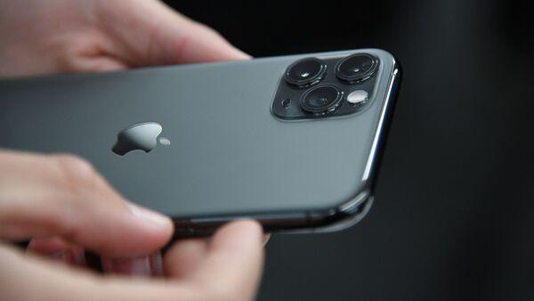 Старт продаж новых iPhone в России - Sputnik Абхазия