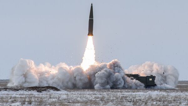 Пуск баллистической ракеты ОТРК Искандер-М с полигона Капустин Яр - Sputnik Абхазия