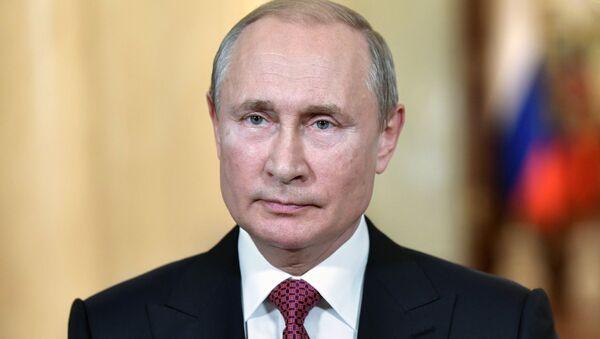 Президент РФ В. Путин обратился с приветствием к участникам и гостям Первого Дрезденского оперного бала в Санкт-Петербурге - Sputnik Абхазия