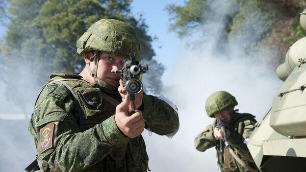 Разведывательные подразделения ЮВО в Абхазии в ходе учения ликвидировали условную группу НВФ в горах - Sputnik Абхазия
