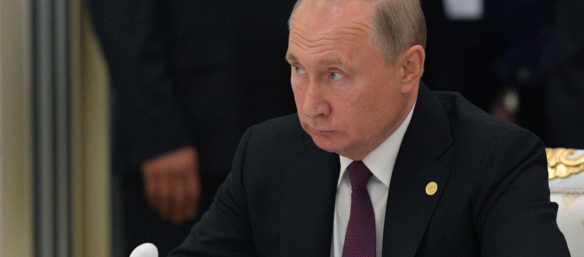 Визит президента РФ В. Путина в Туркмению - Sputnik Абхазия, 1920, 11.10.2019