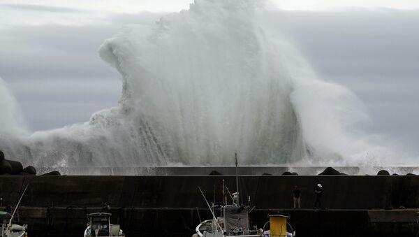 Удар тайфуна Хагибис по городу Кихо, префектура Миэ, Япония - Sputnik Абхазия