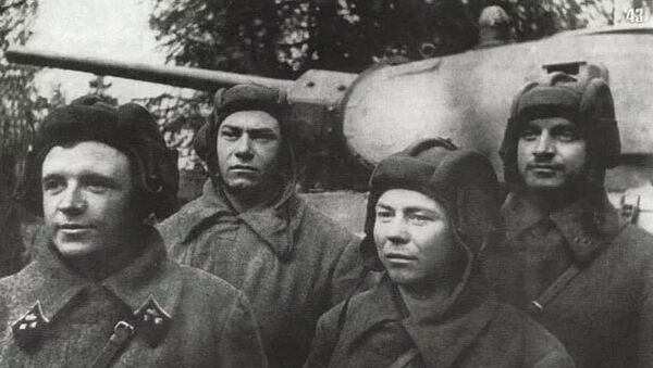 Танковый экипаж Дмитрия Лавриненко  - Sputnik Абхазия