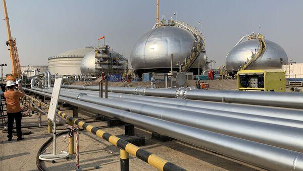 Последствия атаки на нефтерождения Saudi Aramco. - Sputnik Абхазия