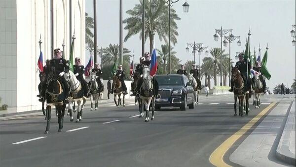 Aurus Путина сопроводили королевские всадники: визит в Саудовскую Аравию - Sputnik Абхазия