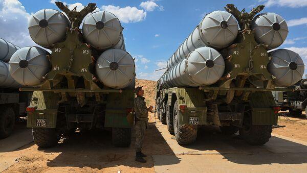 Расчеты зенитных ракетных комплексов (ЗРК) С-300 Фаворит Южного военного округа (ЮВО) - Sputnik Абхазия