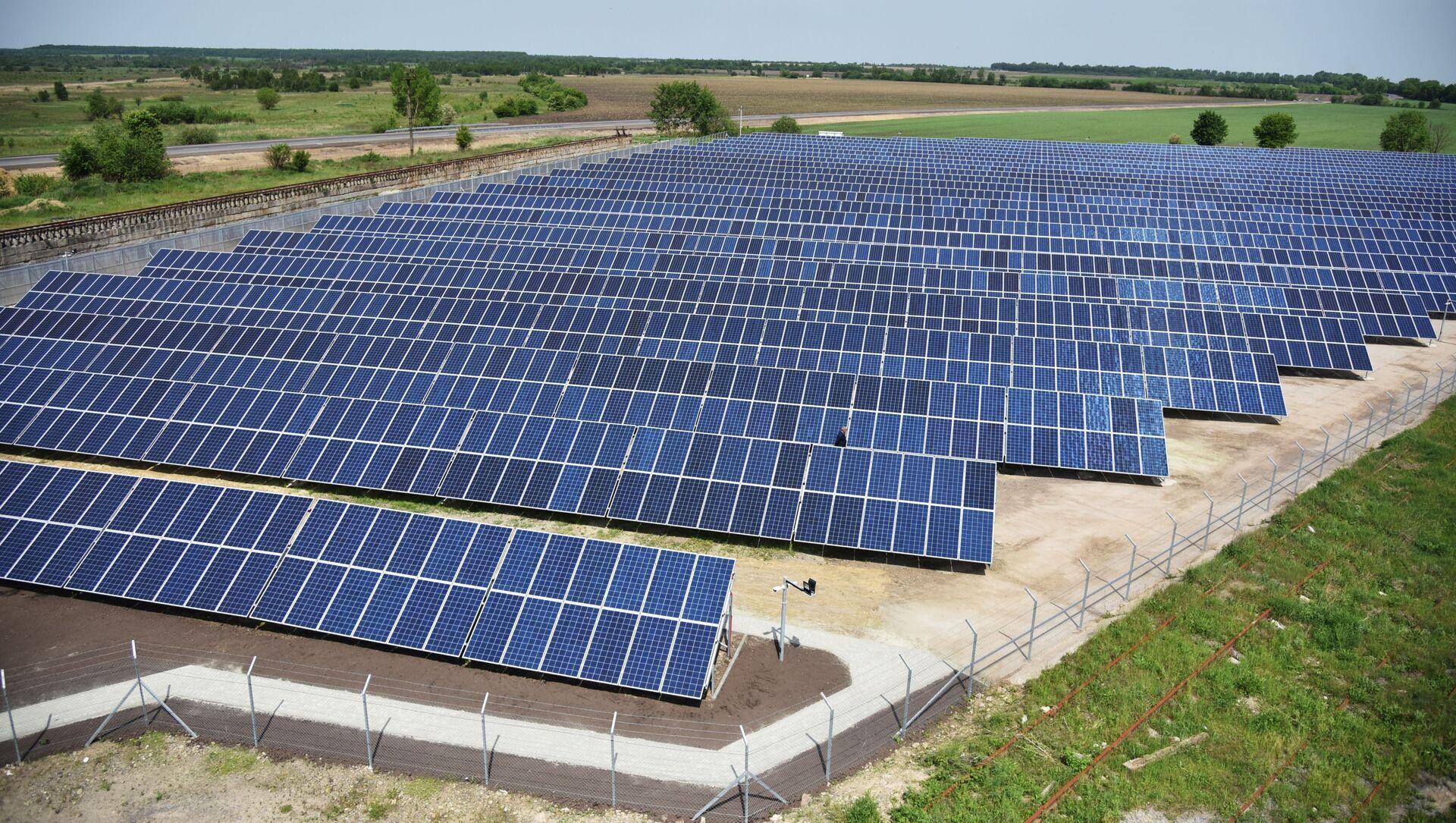 Открытие солнечной электростанции во Львовской области - Sputnik Абхазия, 1920, 14.09.2021