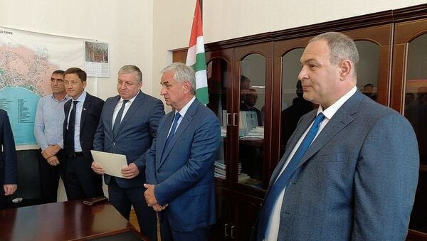 Представление главы администрации Сухума Кана Кварчия  - Sputnik Абхазия
