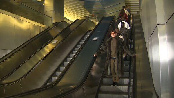 Высокая мода спустилась в метро - Sputnik Абхазия