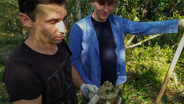 Участники археологической экспедиции по изучению Великой Абхазской стены - Sputnik Абхазия