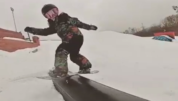 Пятилетняя сноубордистка - Sputnik Абхазия