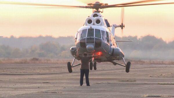Вертолет Ми-8 прибыл в Абхазию  - Sputnik Абхазия