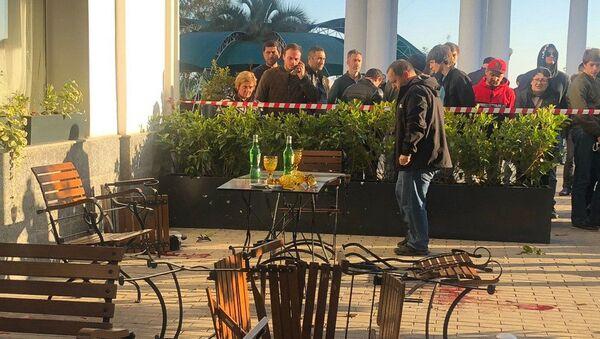 Стрельба напротив ресторана Сан-Ремо  - Sputnik Абхазия