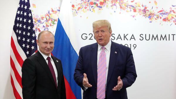 Президент РФ Владимир Путин и президент США Дональд Трамп - Sputnik Абхазия