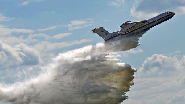 Самолет-амфибия БЕ-200. Архивное фото - Sputnik Абхазия