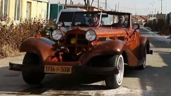 Китаец смастерил Merсedes-Benz 500k из дерева - Sputnik Абхазия