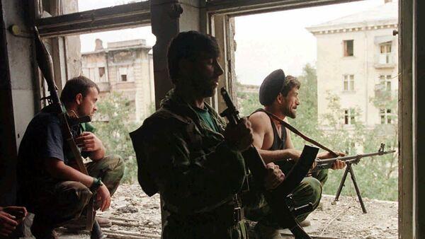 Чеченские боевики во время уличных боев в Грозном - Sputnik Абхазия