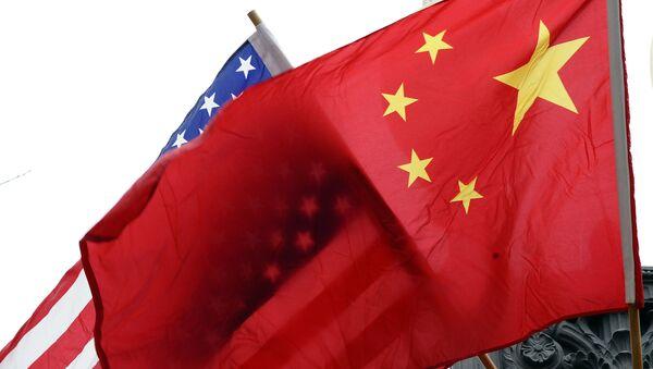 Флаги США и Китая, архивное фото - Sputnik Абхазия