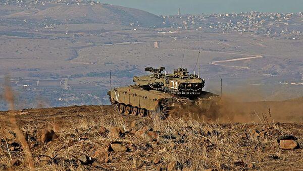 Израильский танк на Голанских высотах. Ноябрь 2019 - Sputnik Абхазия