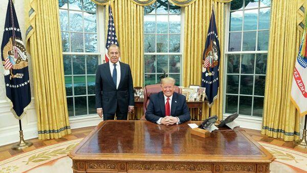 Встреча с президентом США Дональдом Трампом прошла в атмосфере взаимопонимания, рассказал глава российского МИД Сергей Лавров на пресс-конференции в Вашингтоне. - Sputnik Абхазия