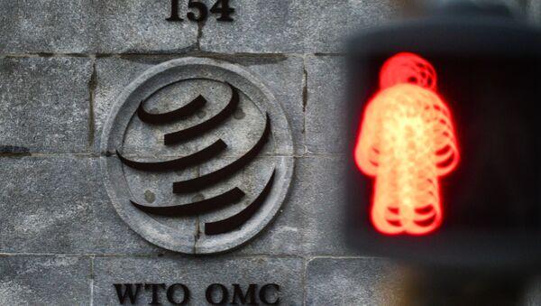 Эмблема Всемирной торговой организации (ВТО) возле здания штаб-квартиры организации в Женеве - Sputnik Абхазия