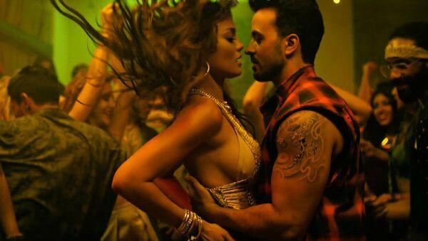 Кадр из клипа Лиуса Фонси на песню Despacito. Архивное фото - Sputnik Абхазия