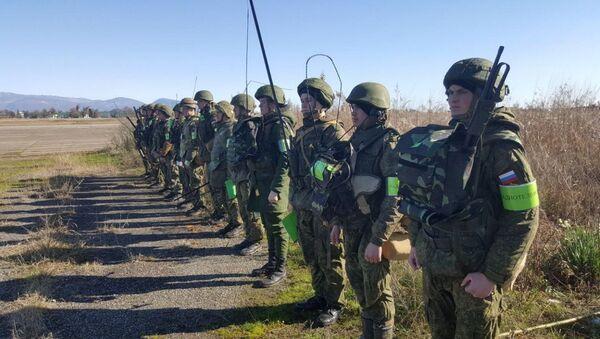 Более 400 российских военнослужащих в Абхазии уволены в запас - Sputnik Абхазия
