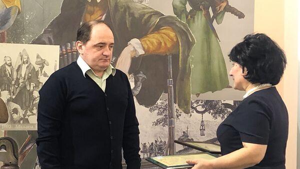 Документы о первом абхазском летчике передали в государственный музей Боевой Славы  - Sputnik Абхазия