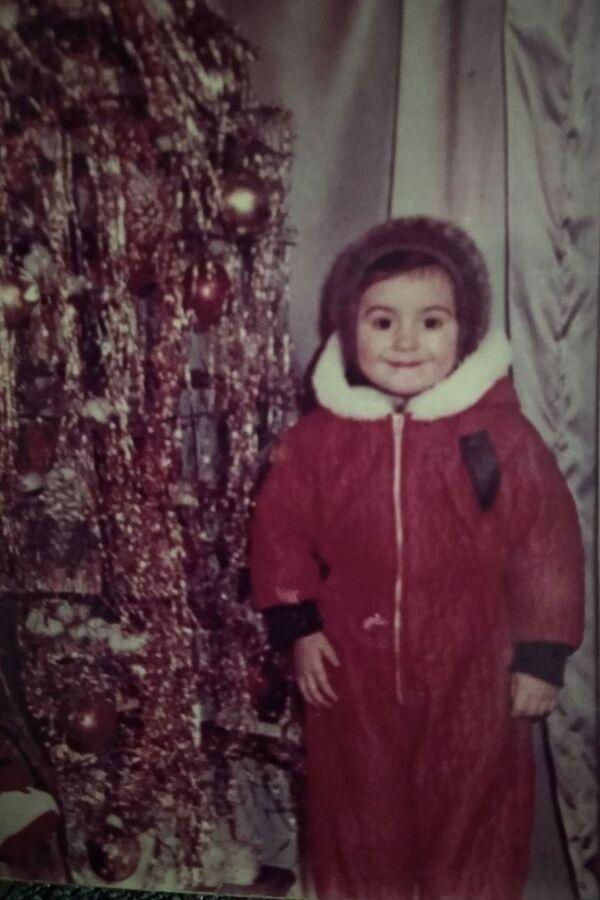 А эта очаровательная краснощекая девочка – выпускающий редактор радио Sputnik Абхазия Альбина Жиба  - Sputnik Абхазия