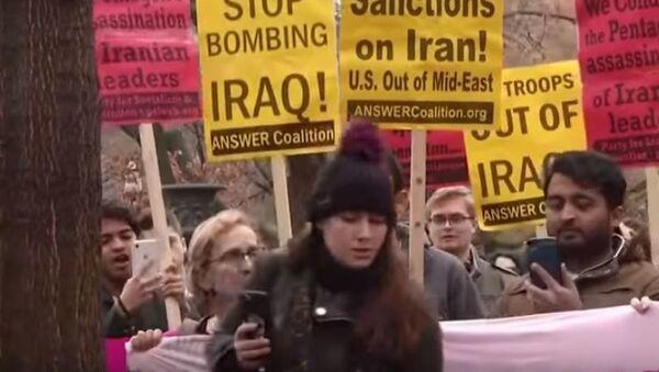 Протестующие в Вашингтоне осуждают политику  Трампа в  Ираке и Иране - Sputnik Абхазия