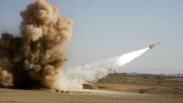 Запуск ракеты во время военных учений в Иране. Архивное фото - Sputnik Абхазия