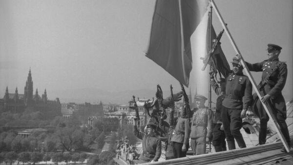 Великая Отечественная война (1941-1945 гг.). Водружение советского знамени в Вене, Австрия. - Sputnik Абхазия