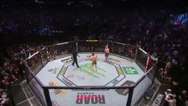 UFC 246: Конор МакГрегор (Ирландия) vs Дональд Серроне (США) - Sputnik Абхазия