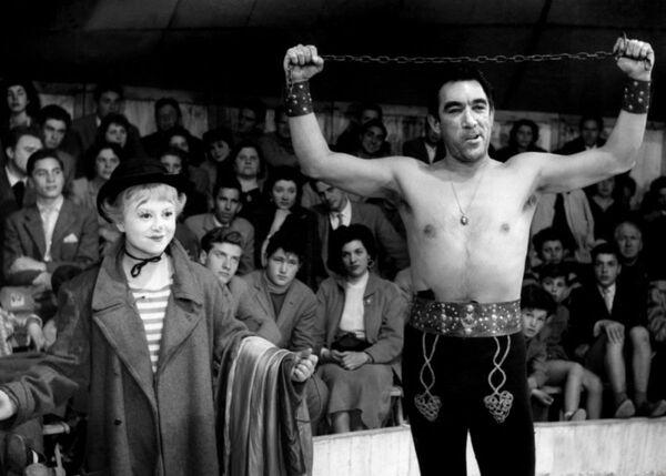 Кадр из фильма Федерико Феллини Дорога, 1954 год - Sputnik Абхазия