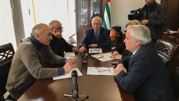 Заседание лингвистической комиссии в Центризбиркоме Абхазии - Sputnik Аҧсны