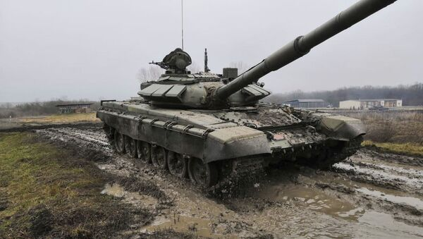 Экипажи Т-72Б3 российской военной базы ЮВО в Абхазии  - Sputnik Аҧсны