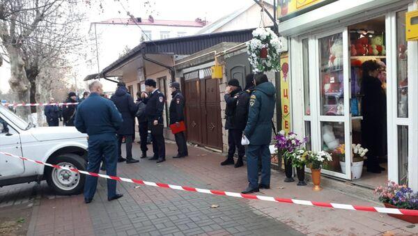 Правоохранительные органы у дома российского советника Игоря Галя - Sputnik Абхазия